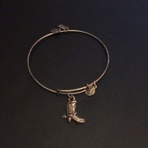 3 for $15 👚 Alex and Ani